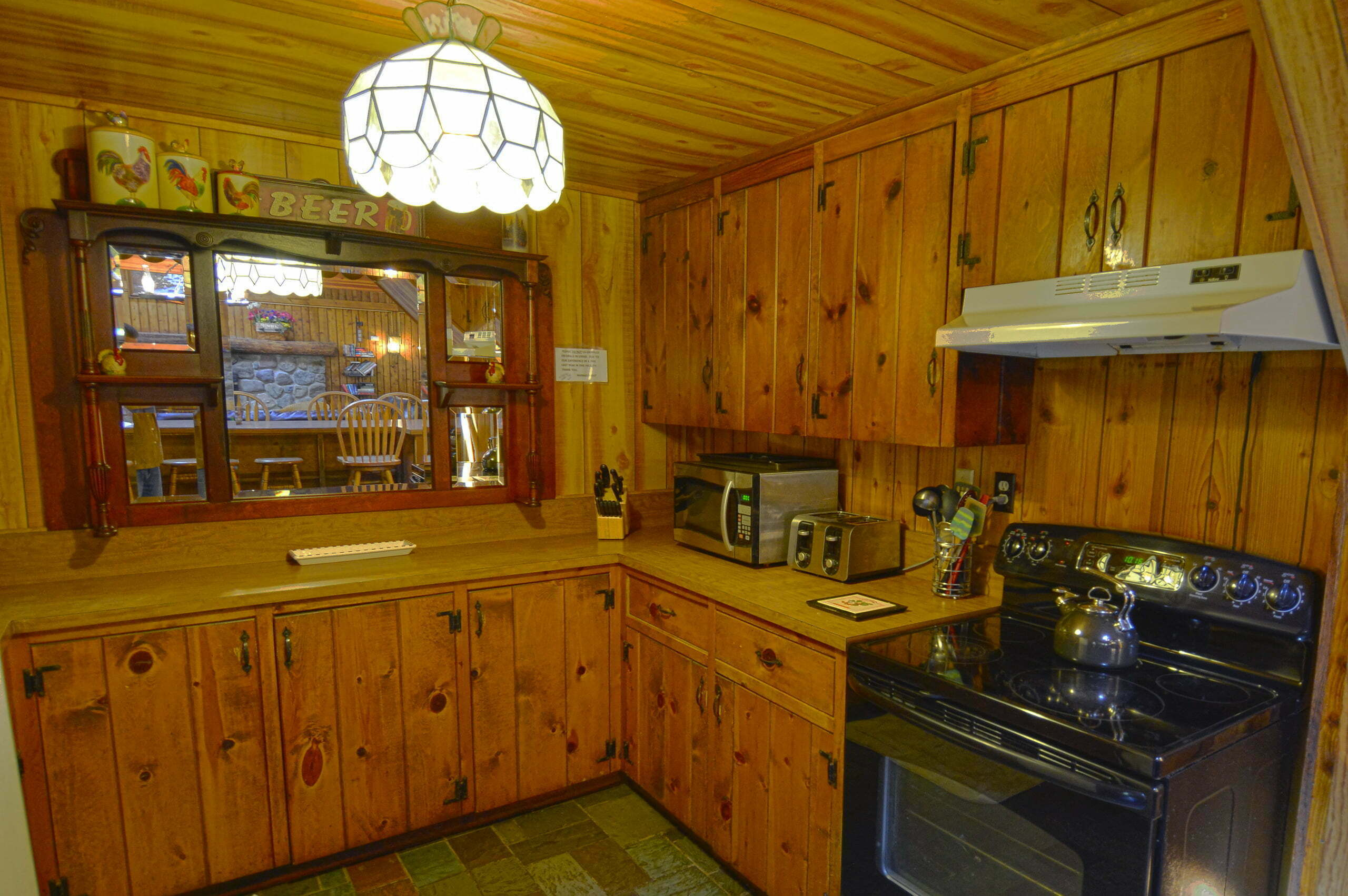 Lodge-kitchen