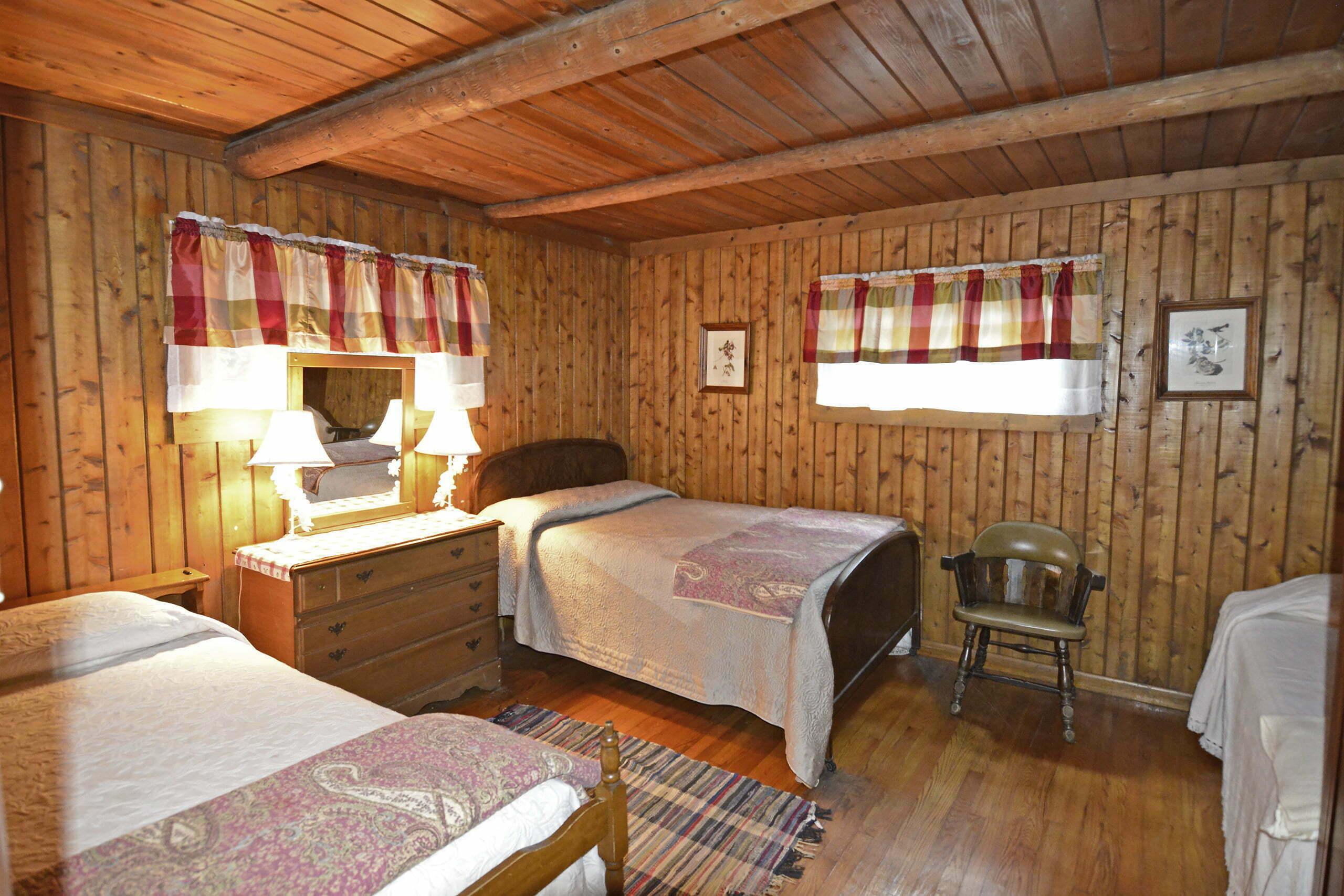 Sundowner-Bedroom