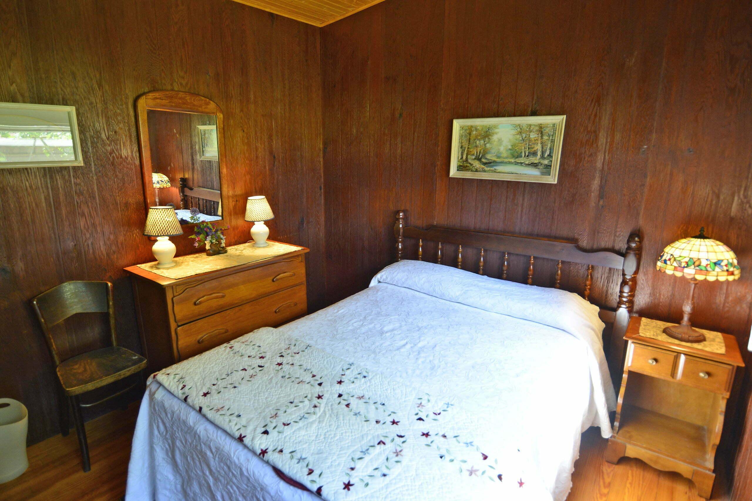 Woodcrest-Bedroom